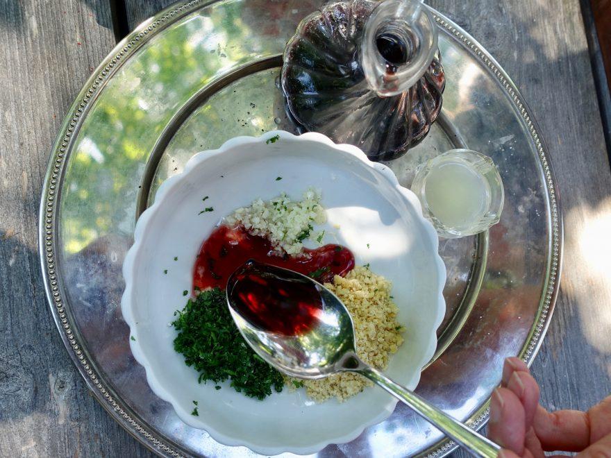 Zutaten für Pesto mit Bio Ajvar